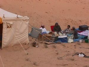 These large tents can stand a shamal, but you may not get much sleep inside. (photo: M. Alshanti)